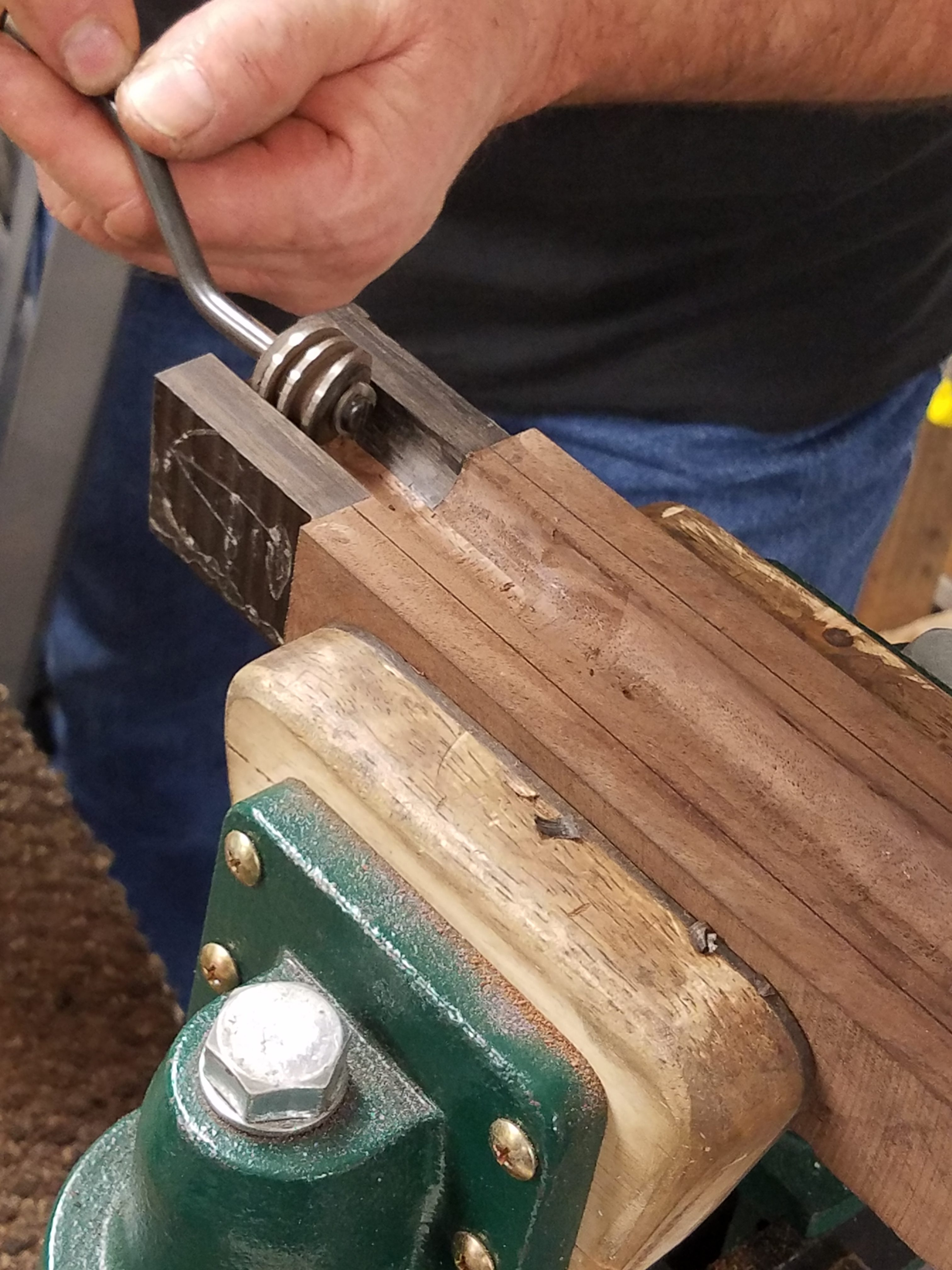 Barrel bedding tool for shotguns